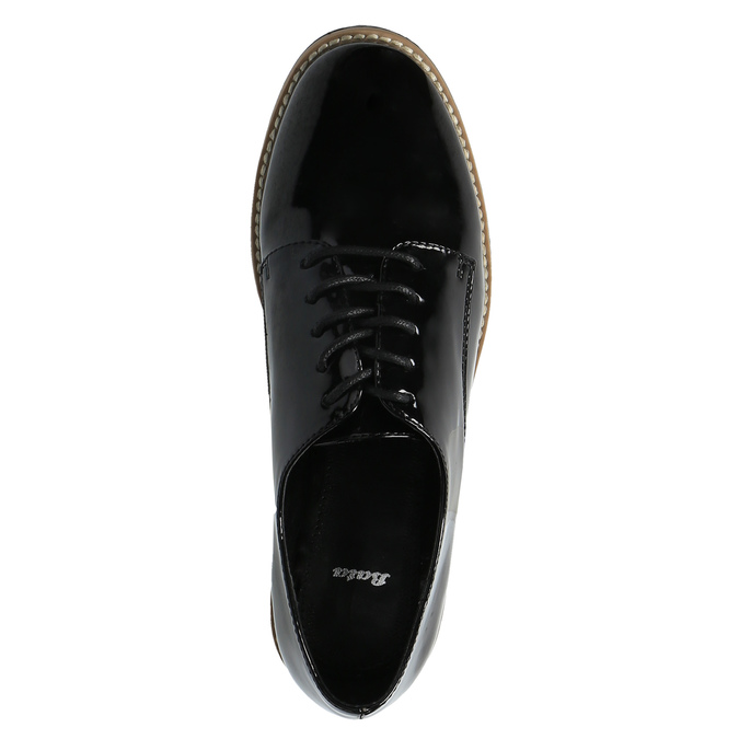 Lakované poltopánky na výraznej podrážke bata, čierna, 521-6600 - 19