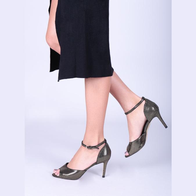 Sandále na ihličkovom podpätku so zlatými odleskami bata, čierna, 729-8630 - 18