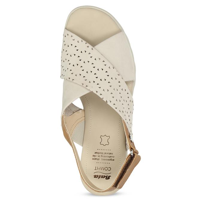 Béžové dámske kožené sandále s perforáciou comfit, béžová, 566-8610 - 17
